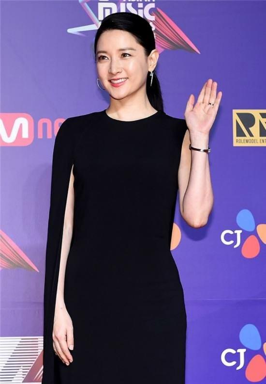 song-joong-ki-mot-minh-du-mama-ma-khong-co-song-hye-kyo-dong-hanh-3