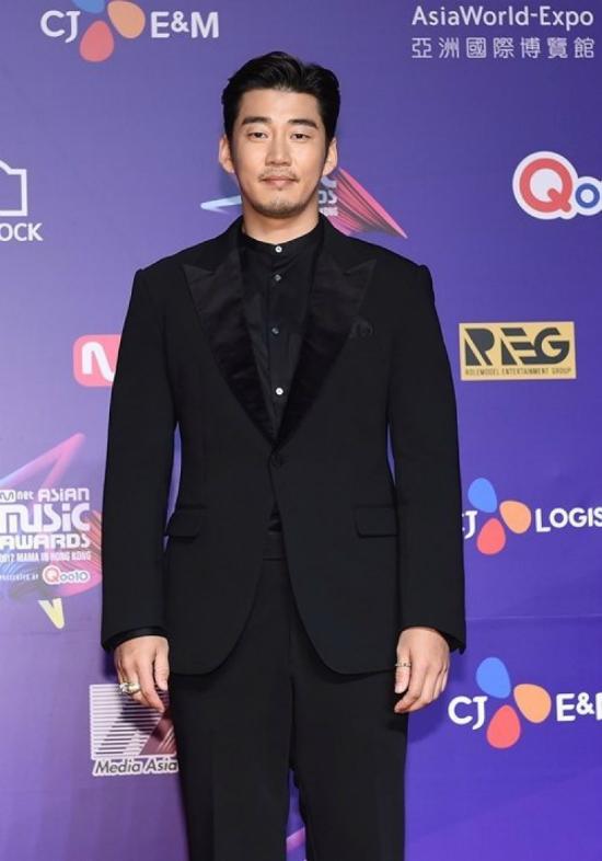 Tài tử Yoon Sang