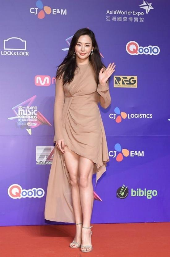 song-joong-ki-mot-minh-du-mama-ma-khong-co-song-hye-kyo-dong-hanh-8