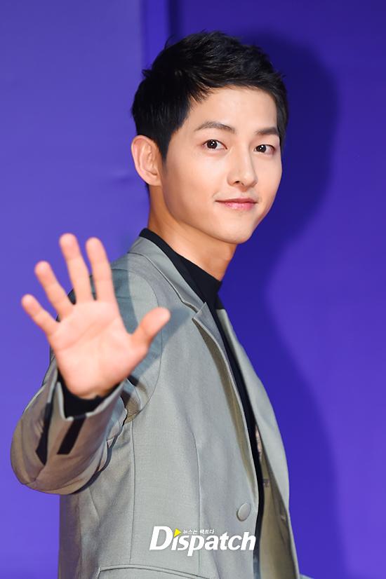 song-joong-ki-mot-minh-du-mama-ma-khong-co-song-hye-kyo-dong-hanh-1