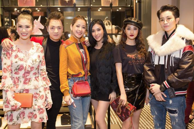 bao-anh-mai-ho-cham-mat-trong-su-kien-khai-truong-flagship-store-coach