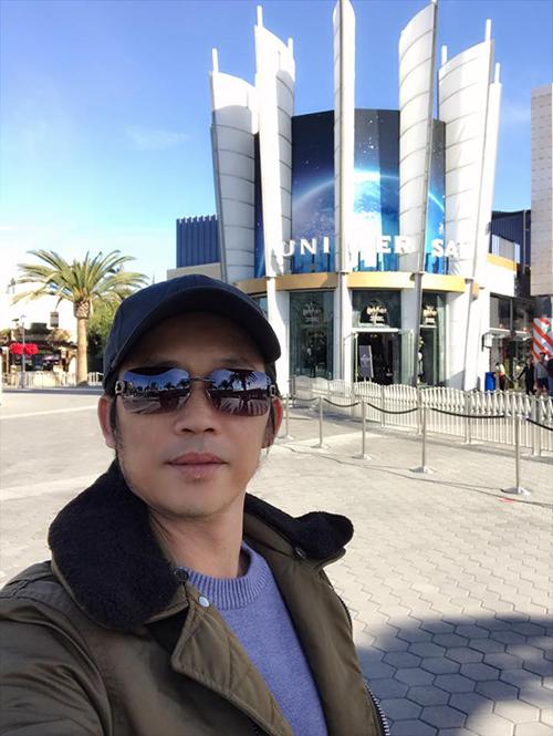 Danh hài Hoài Linh check in tại Mỹ và chia sẻ: Dậy sớm đăng hình cho vui thôi, chứ không phải khoe đẹp hay xấu.