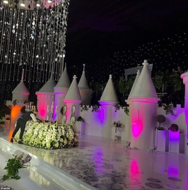 Despite being referred to as a mini castle the installation was a rather large structure and was used for hosting drinks