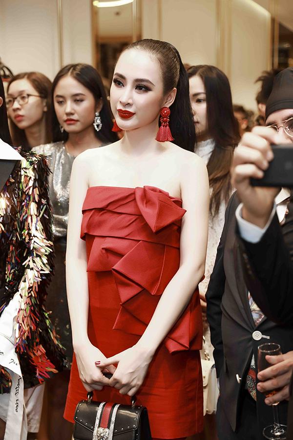 angela-phuong-trinh-dien-cay-do-noi-bat-ben-dan-fashionista-6