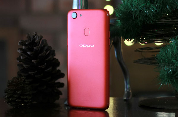 oppo-f5-ram-6gb-mau-do-cho-mua-noel-1