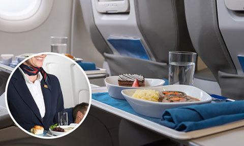 Ăn đồ thừa của khách, nữ tiếp viên hàng không bị đình chỉ công tác