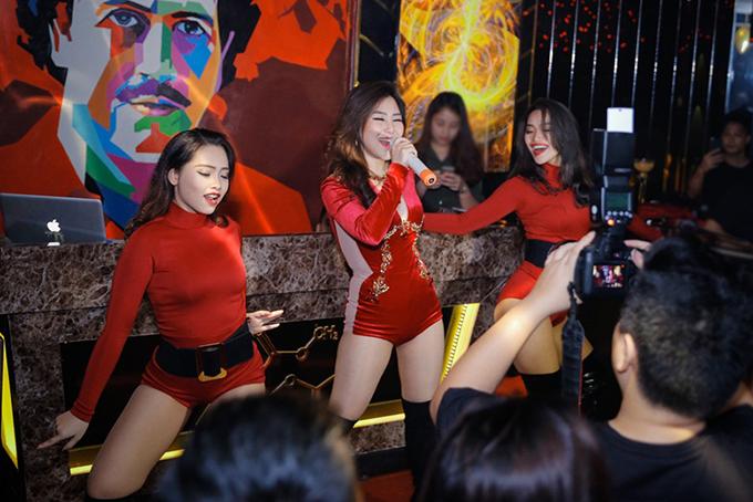 huong-tram-mac-ngan-cun-di-dien-1