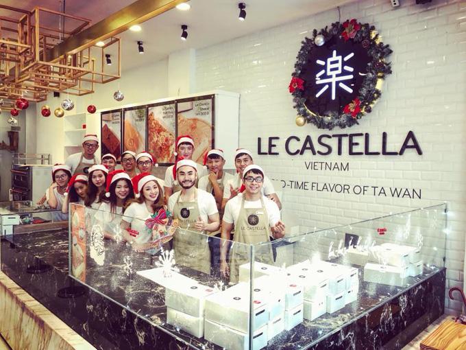 Luôn muốn mang đến cho người tiêu dùng những chiếc bánh bông lan chất lượng đi cùng những chế độ hậu mãi hấp dẫn là điều mà ban giám đốc Le Castella Việt Nam mong muốn hướng đến trong năm 2018