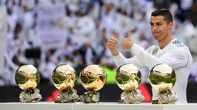 Hứng khởi sau khi khoe 5 Quả bóng vàng, C. Ronaldo lập cú đúp, số bàn thắng bằng 10 vòng đấu trước đó gộp lại