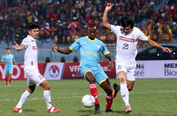 khanh-hoa-chia-diem-voi-doi-bong-campuchia-o-me-kong-cup-2017