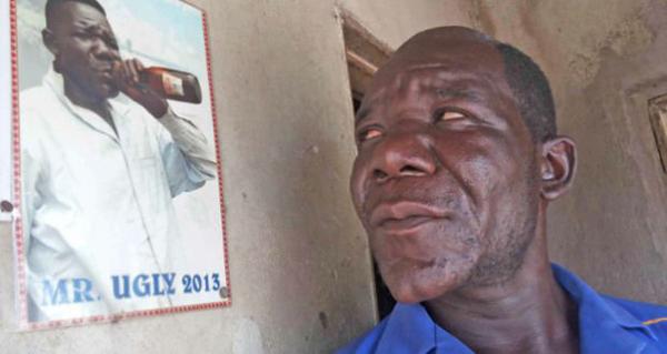 nguoi-dan-ong-lan-thu-tu-doat-danh-hieu-xau-nhat-zimbabwe
