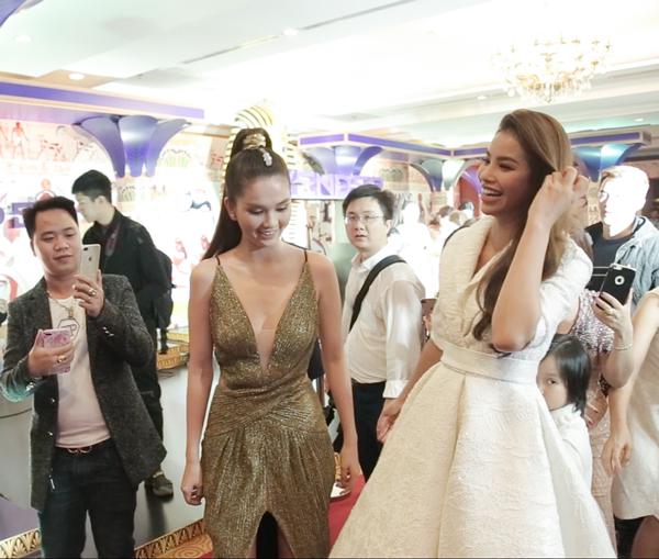Ngọc Trinh và Hoa hậu Phạm Hương cũng là hai