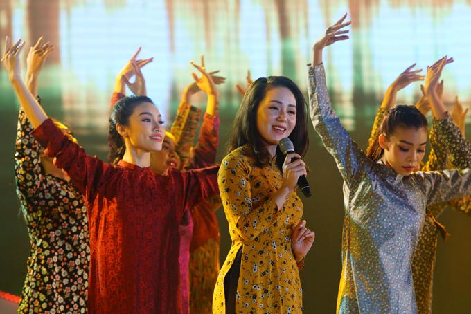 phuong-linh-hiem-hoi-tro-lai-san-khau-2