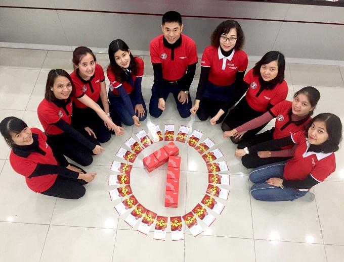 Những món quà lộc xuân trao tại quầy cho những khách hàng tới giao dịch vào Ngày vàng Phú quý  thứ Năm hàng tuần cũng được các nhân viên Maritime Bank Phú Thọ chuẩn bị rất chu đáo.