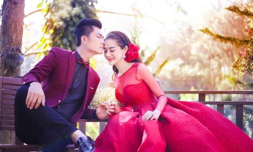 Hot boy kém tuổi cưới Lâm Khánh Chi vì cô sống thật