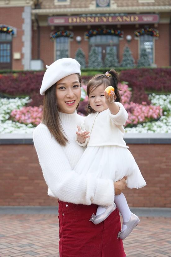 my-nhan-tvb-chung-gia-han-khoe-con-gai-16-thang-tuoi-dang-yeu-5