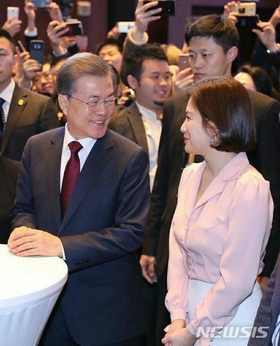 song-hye-kyo-lay-lai-phong-do-voi-toc-ngan-xinh-tuoi-2