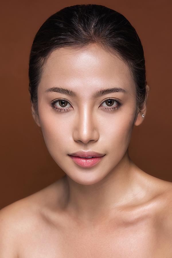 phan-ngan-the-face-goi-y-hai-kieu-trang-diem-tone-cam-nude