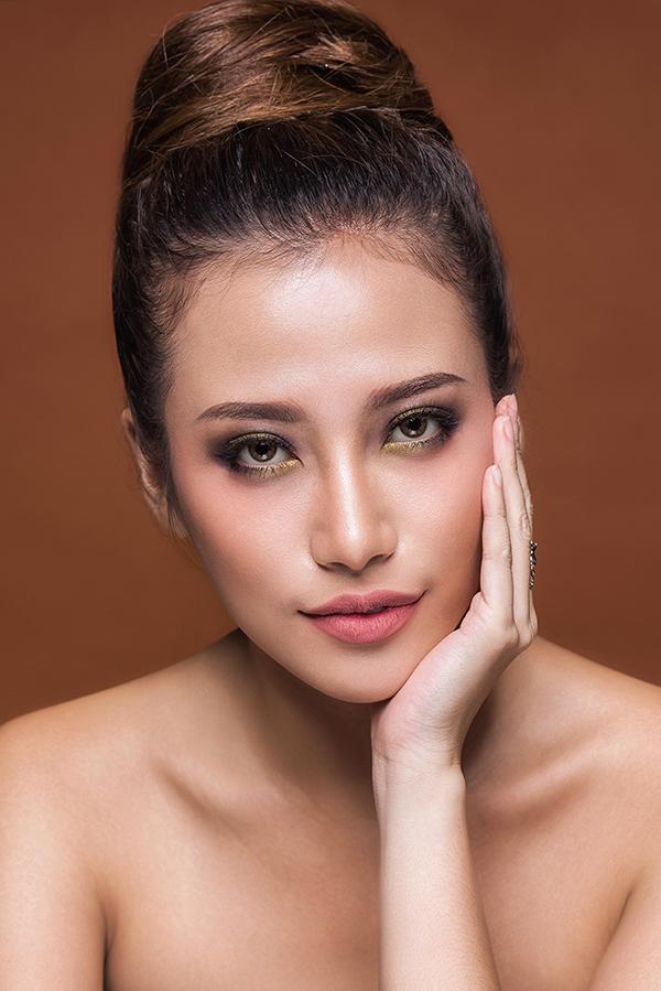phan-ngan-the-face-goi-y-hai-kieu-trang-diem-tone-cam-nude-3