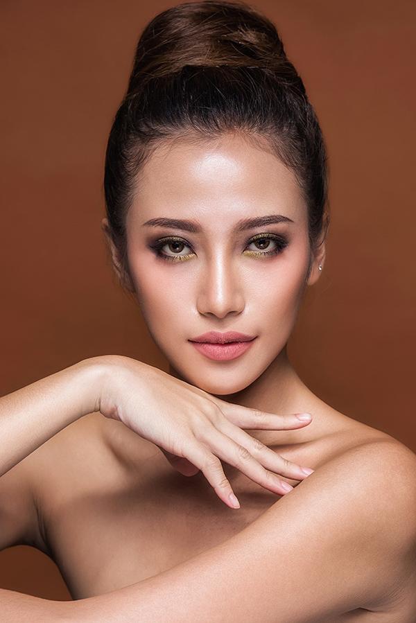 phan-ngan-the-face-goi-y-hai-kieu-trang-diem-tone-cam-nude-5