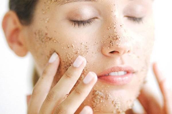 Các hạt nhỏ li ti có thể gây ra tổn thương da mà bạn không hay biết.