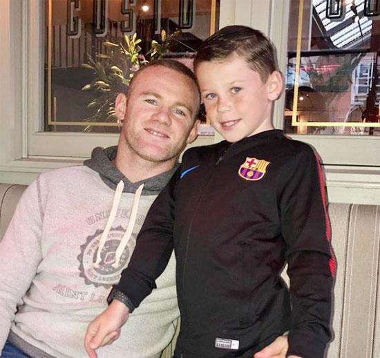 Tiền đạo Everton và cậu con trai lớn, Kai.