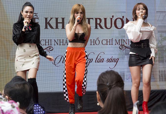 ngoc-diem-huong-giang-do-nhan-sac-tuoi-30-trong-su-kien-7