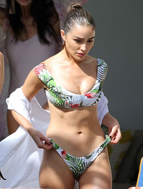 nhung-man-pho-dien-bikini-nong-nhat-nam-cua-sao-hollywood