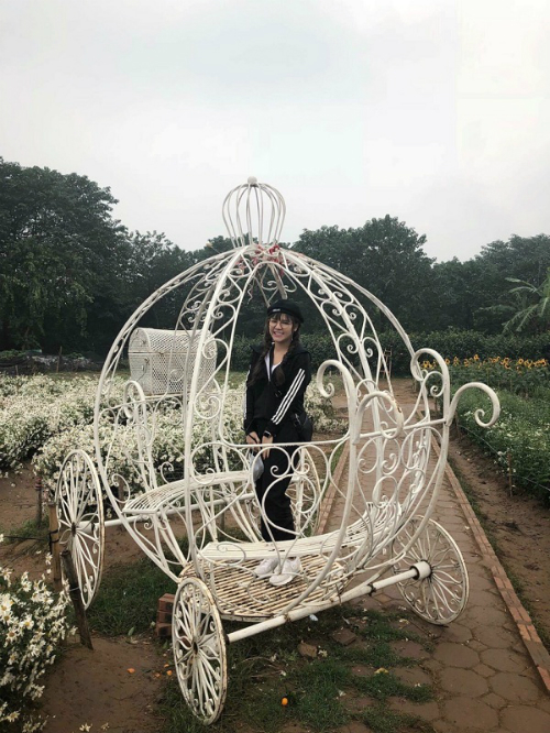 bo-anh-mung-xuan-2018-cua-nu-tong-giam-doc-9x-6