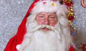 Người đàn ông 73 tuổi có 55 năm làm ông già Noel