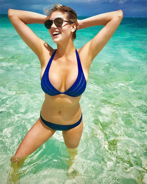 nhung-man-pho-dien-bikini-nong-nhat-nam-cua-sao-hollywood-4