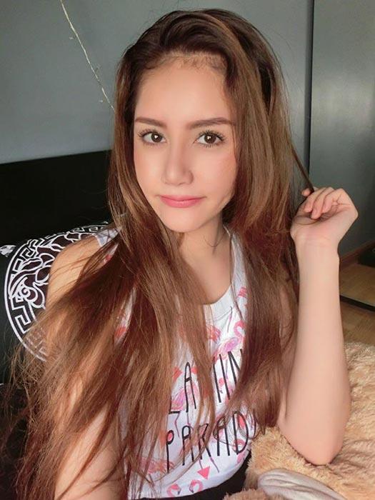Người mẫu Nunnpus Muengma.