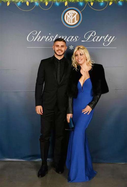 Vợ chồng tiền đạo Mauro Icardi tại bữa tiệc Giáng sinh của Inter.