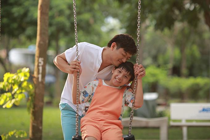Quý Bình dành nhiều lời khen cho diễn viên nhí Gia Bảo.