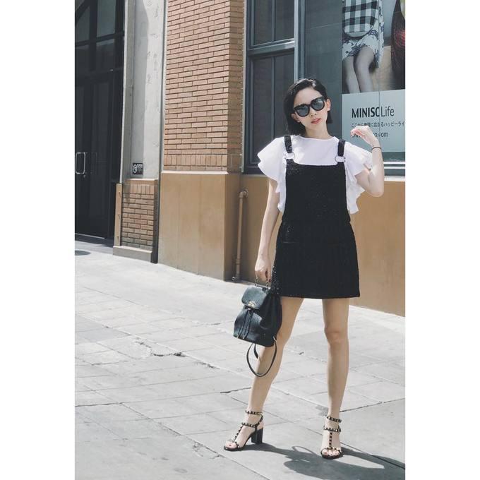 Váy yếm giúp phái đẹp \'ăn gian\' tuổi