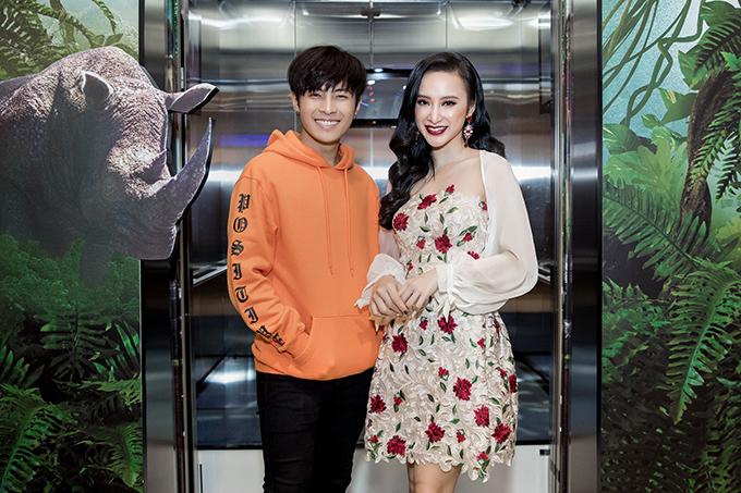 Tối 20/12, Angela Phương Trinh và các diễn viên trẻ đã cùng góp mặt trong buổi ra mắt phim ngắn được tổ chức tại TP HCM.