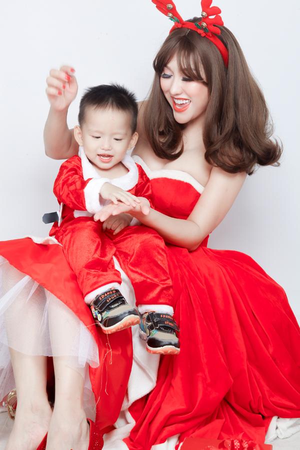 Phi Thanh Vân chia sẻ, năm nay cô rất vui vì đạt được nhiều thành công trong việc kinh doanh và đặc biệt mới có thêm danh hiệu Hoa hậu doanh nhân gốc Việt.
