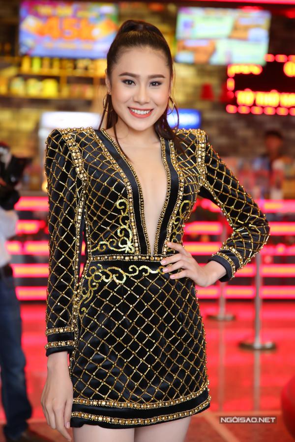 Diễn viên Hồ Bích Trâm hóa thân một cô giáo xinh đẹp, năng động trong bộ phim của đạo diễn Nhâm Minh Hiền.