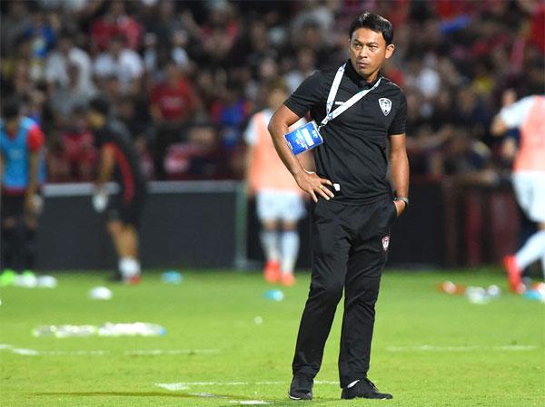 HLV Totchtawan Sripan từng thi đấu ở HAGL. Ảnh: NS.