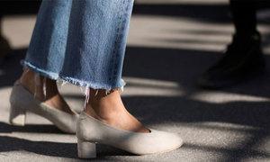 Tự chế jeans sờn gấu cá tính từ quần cũ vứt xó