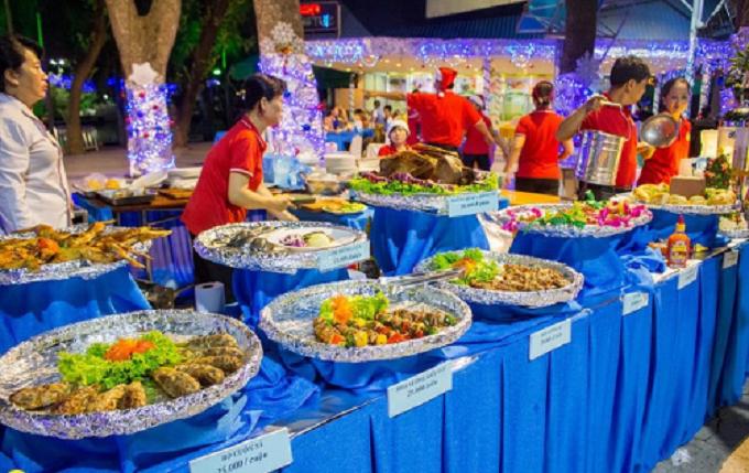Thưởng thức không gian ẩm thực đặc sắc trong dịp năm mới 2018 tại công viên văn hóa Đầm Sen.