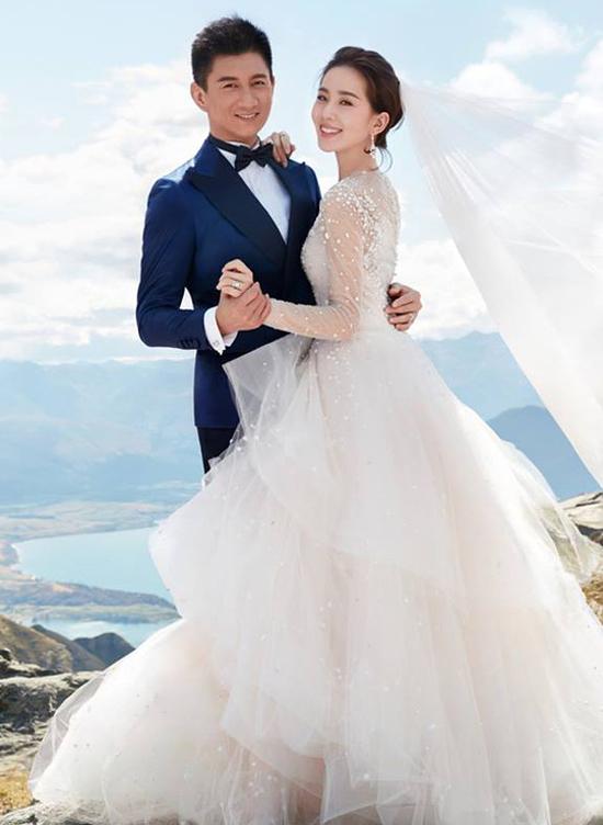 Vợ chồng Ngô Kỳ Long - Lưu Thi Thi. Ảnh: Sina