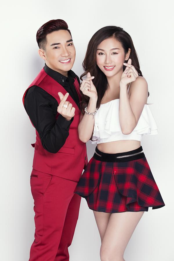 Nam ca sĩ tiết lộ, anh sắp có chuyến đi Mỹ cùng Quỳnh Nhi. Từ khi chia tay bạn gái Thu Hà, giọng ca gốc Hà Nội kín tiếng về chuyện tình cảm.