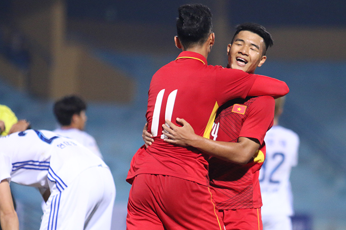 Cựu HLV Đà Nẵng không được chứng kiến bàn thắng gỡ hòa 2-2 của cậu học trò cũ Đức Chinh cho U23 Việt Nam ở phút 88. Tuy nhiên, trong ít phút còn lại, CLB Ulsan Huyndai vẫn kịp ghi thêm một bàn nữa để ấn định chiến thắng 3-2.