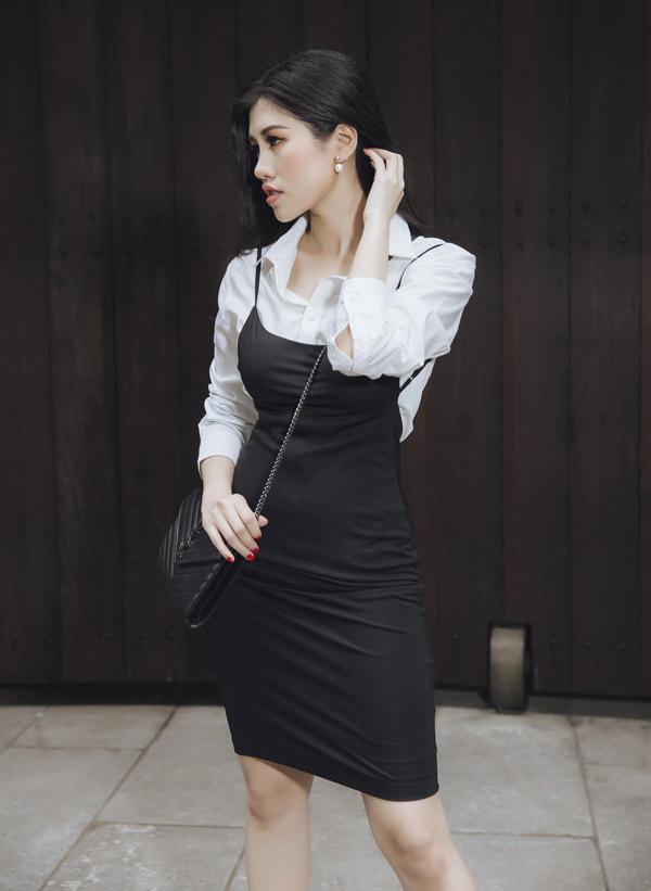 Emily Hồng Nhung tự làm mẫu cho trang phục cô thiết kế