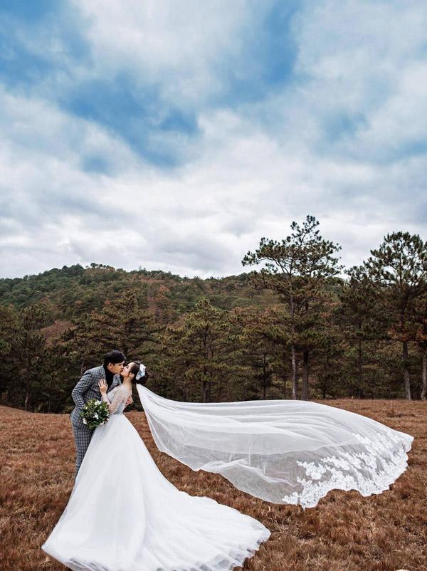 Chàng Điền của phim 'Cánh đồng bất tận' cưới vợ xinh