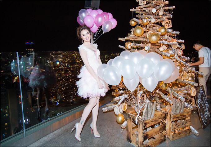Sella Trương diện váy tua rua điệu đà trong ngày sinh nhật - 3