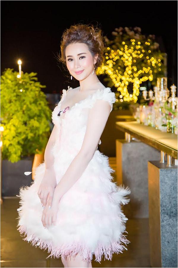 Sella Trương diện váy tua rua điệu đà trong ngày sinh nhật