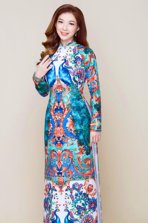Mùa cưới xuân hè sắp tới, cô dâu có thêm gợi ý về mẫu áo dài vẽ họa tiết nhiều màu.Bộ ảnh được thực hiện với sự hỗ trợ của nhà thiết kế Minh Châu, trang điểm và làm tóc Sang Nguyễn, photo Bảo Lê.