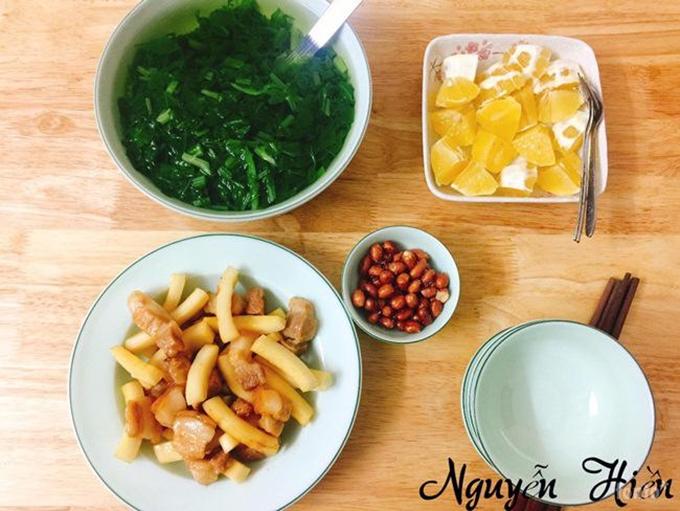 Muốn nấu ăn ngon chẳng cần học đâu xa, học từ người thân, bạn bè và trên mạng, chị Hiền chia sẻ.